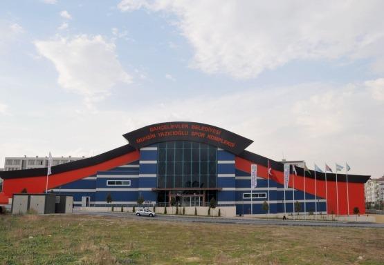 Yenibosna (Muhsin Yazıcıoğlu) Spor Kompleksi